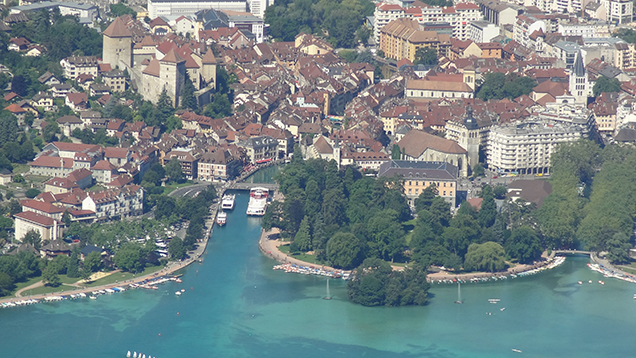 Annecy ville de sainte th r se for Piscine a annecy