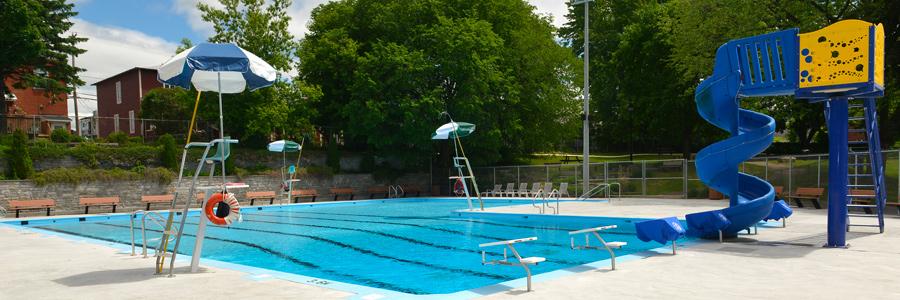 piscine pataugeoire et jeux d eau ext rieurs ville de. Black Bedroom Furniture Sets. Home Design Ideas